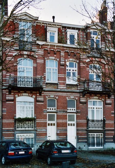 Boulevard des Déportés 30 et 32, Tournai (© APEB, photo 2002).
