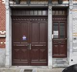 Rue Rasson 43-45, Schaerbeek, portes carrossable et piétonne (© APEB, photo 2016).