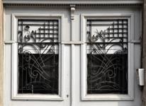 Rue Waelhem 48, Schaerbeek, porte, jours grillés (© SPRB-BDU, photo APEB 2013).