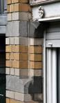 Boulevard Lambermont 146, Schaerbeek, oriel, demi sous-sol, piédroit de la fenêtre avant (© APEB, photo 2016).