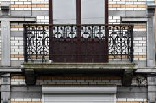 Rue Rasson 43-45, Schaerbeek, premier étage, balcon droit (© APEB, photo 2016).
