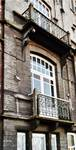 Boulevard des Déportés 34, Tournai, premier étage, travée gauche (© APEB, photo 2002).