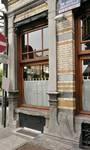 Avenue Louis Bertrand 63-65, Schaerbeek, fenêtre gauche du commerce côté rue Josaphat (© APEB, photo 2012).