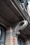 Boulevard Clovis 85-87, Bruxelles Extension Est, partie gauche, console du balcon du premier étage (© APEB, photo 2016).