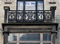 Rue des Aduatiques 9, Etterbeek, second étage, garde-corps de la terrasse (© APEB, photo 2016).