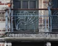 Boulevard Clovis 85-87, Bruxelles Extension Est, partie gauche, premier étage, garde-corps du balcon (© APEB, photo 2016).