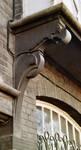 Boulevard des Déportés 34, Tournai, premier étage, logette, console gauche (© APEB, photo 2002).