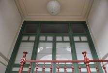 Rue Luther 28, Bruxelles Extension Est, porche d'entrée, porte-fenêtre (© APEB, photo 2016).