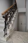Rue des Aduatiques 9, Etterbeek, hall d'entrée, escalier (© APEB, photo 2016).
