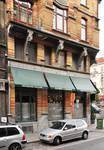 Louis Bertrandlaan 53-61, Schaarbeek, gelijkvloers en tussenverdieping aan de Josaphatstraat (© APEB, foto 2005).