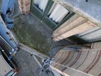 Boulevard Clovis 85-87, Bruxelles Extension Est, partie gauche, balcon du deuxième étage (© APEB, photo 2007).