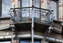 Boulevard Clovis 85-87, Bruxelles Extension Est, partie gauche, balcon du troisième étage (© APEB, photo 2016).