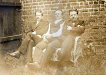 Les frères de Gustave Strauven vers 1905 : Louis, Émile et Félix (collection famille Mottay-Strauven).
