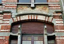 Avenue Van Cutsem 29, Tournai, travée gauche, rez-de-chaussée et étage (© APEB, photo 2002).