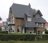 Bortierlaan 24 en Hoge Duinenlaan 25, De Panne, Villa's 'René' en 'Norbert' (© T. Verhofstadt, foto 2019)