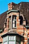 Rue des Volontaires 1, Tournai, lucarne d'angle (© APEB, photo 2002).